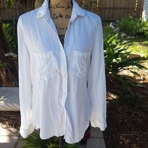 Cloth & Stone white long sleeve buttoned blouse